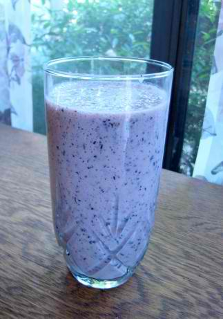 Metabolism Boosting Berry Smoothie Recipe