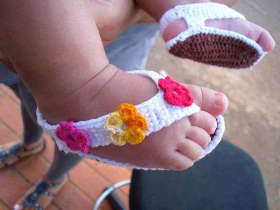 Adorable Crochet Baby Sandals