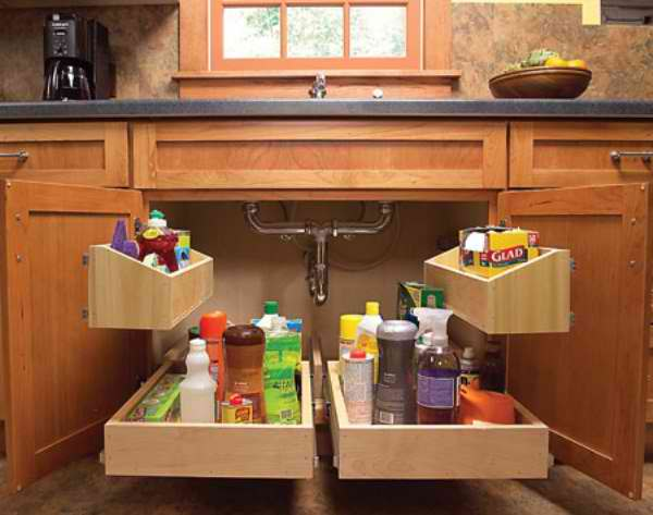 Kitchen Sink Pull-Out Storage