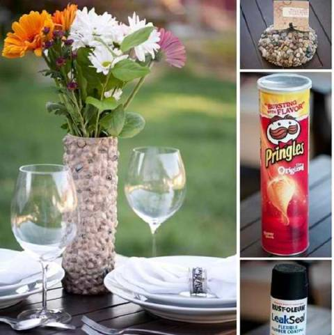 DIY Flower Vase Made Out Of A Pringles Can